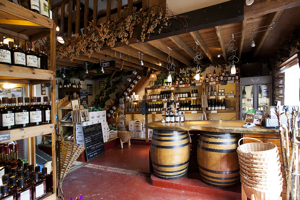indoor of pub